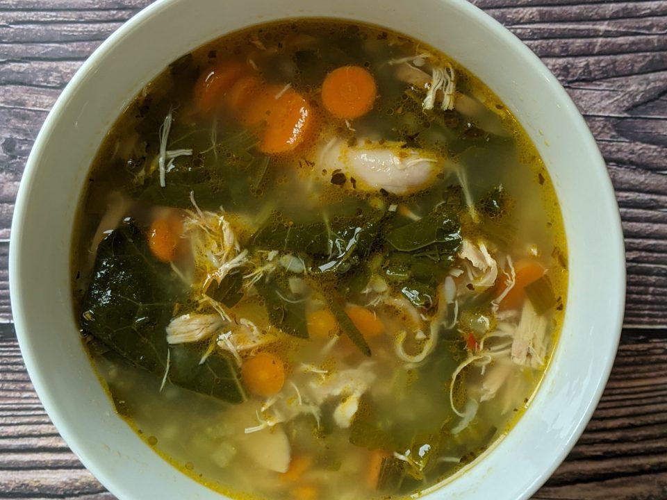 Low-FODMAP loaded veggie soup bowl
