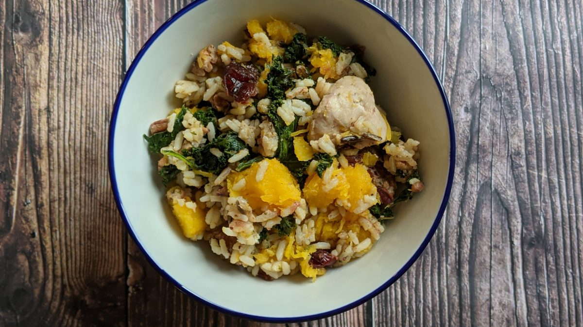Low-FODMAP chicken, kale and squash bowl centered